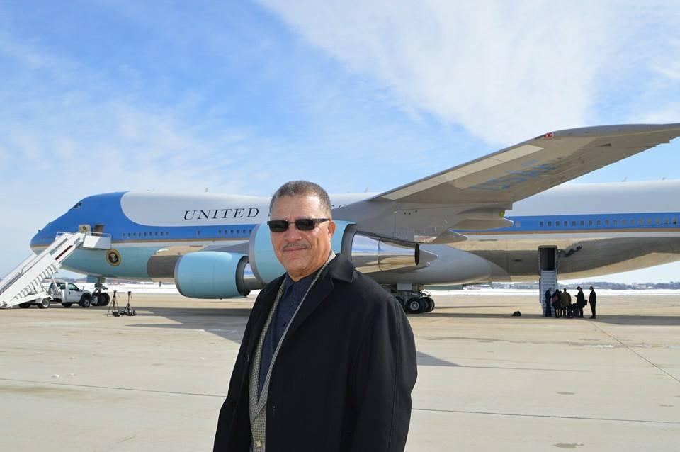 SGJC Dean Dewayne Wickham prepares to board Air Force One