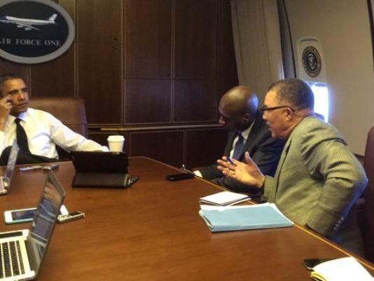 SGJC Dean Dewayne Wickham talks with President Obama on the way to Selma.